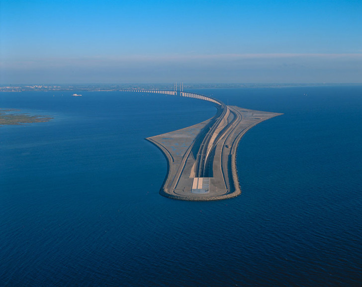 tunnel-bridge-oresund-link-artificial-island-sweden-denmark-10 (1)