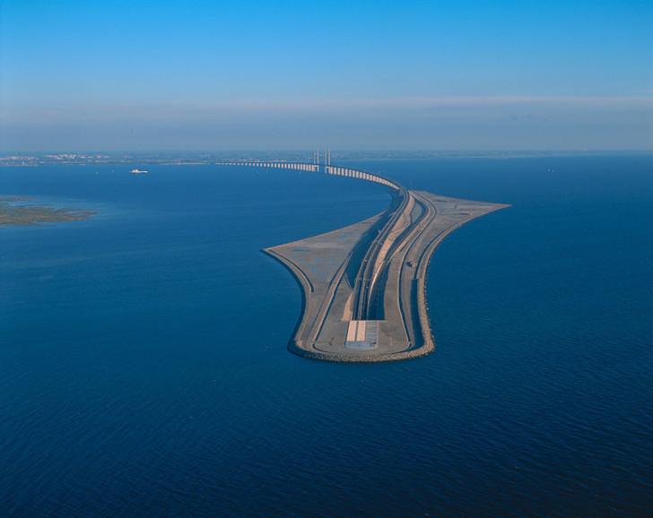 tunnel-bridge-oresund-link-artificial-island-sweden-denmark-10 (1)