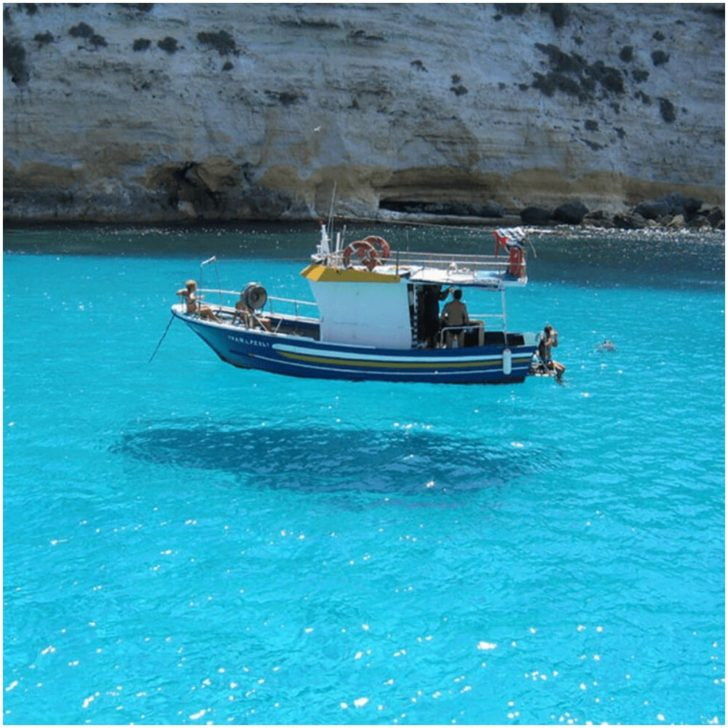 bateau-flottant-728x728.jpg